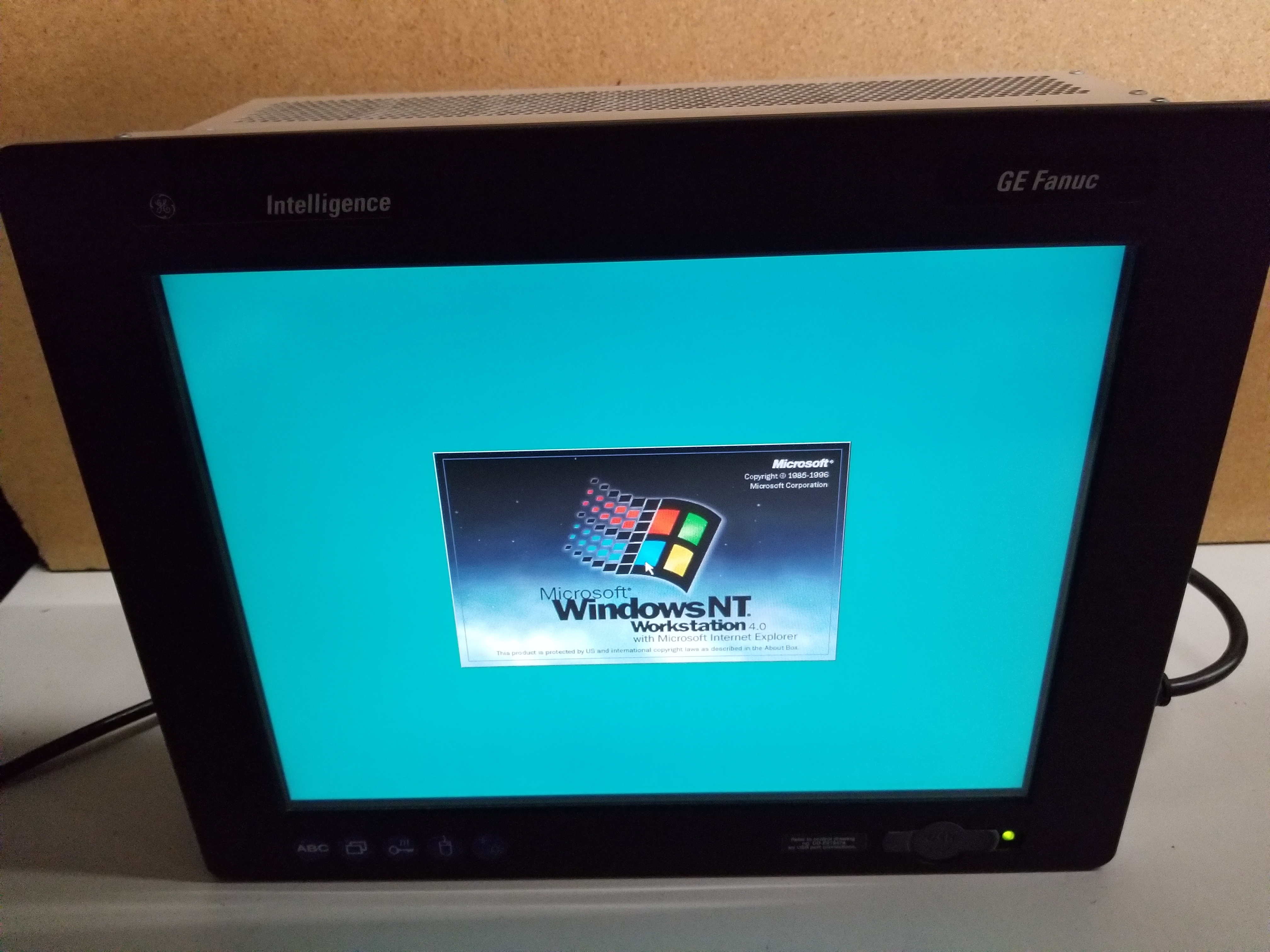 Lot 1 - GE FANUC INTELLIGENCE OPERATOR INTEFRACE PANEL COMPUTER DISPLAY