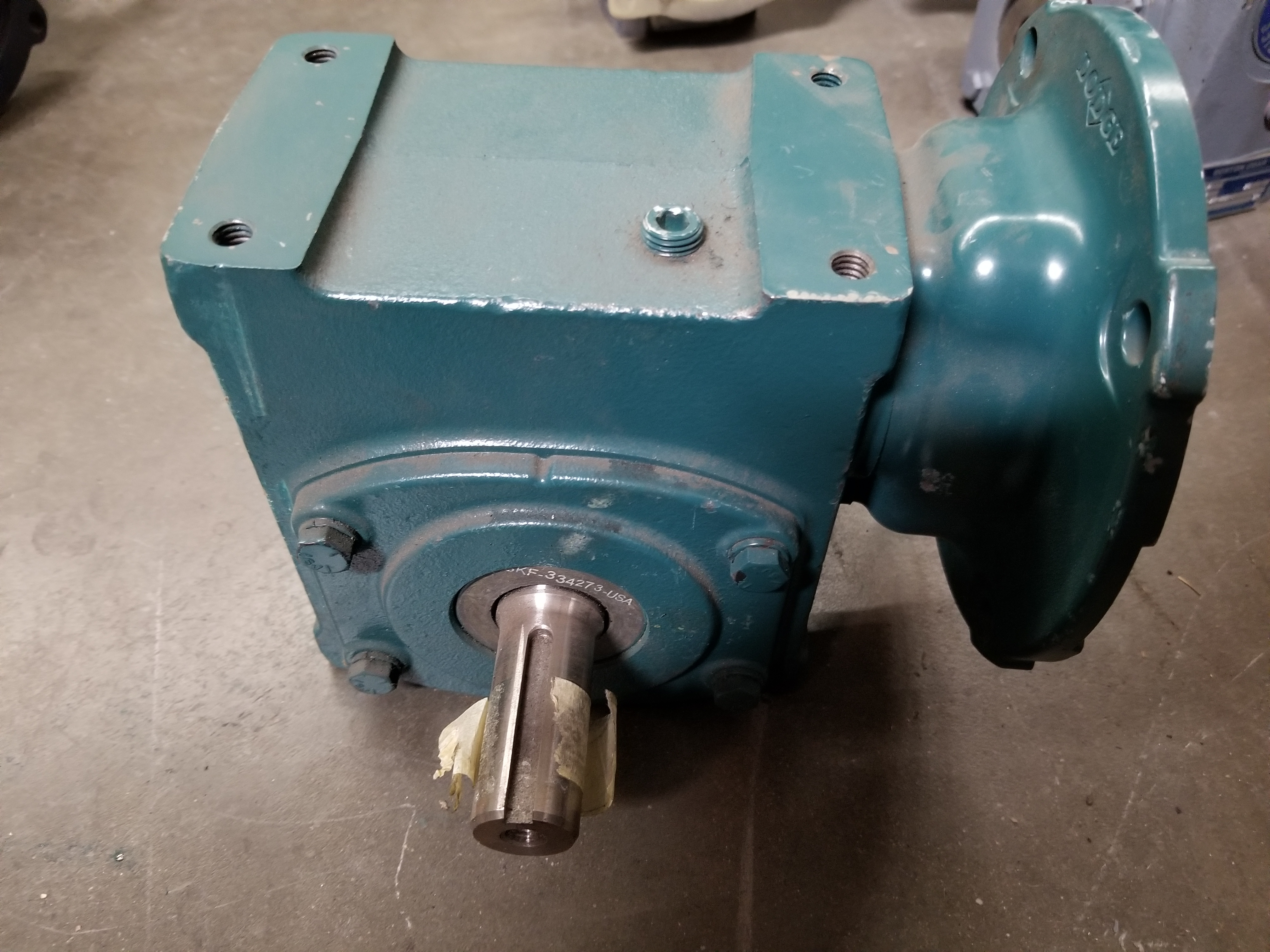 Lot 42 - BALDOR TIGEAR 2 RIGHT ANGLE WORM GEAR SPEED REDUCER