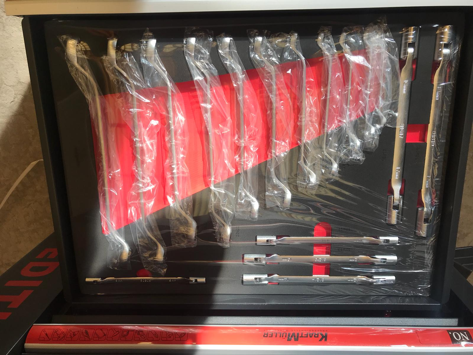 Lot 10049 - V Brand New Seven Drawer Locking Garage Tool Cabinet With Lockable Casters-Seven EVA Drawers of