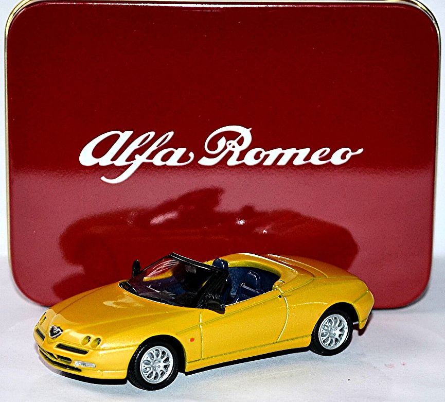 Lot 10377 - V Brand New 1/43 Diecast Model 4655 - 1995 Alfa Romeo Spider - eBay Price £15.99