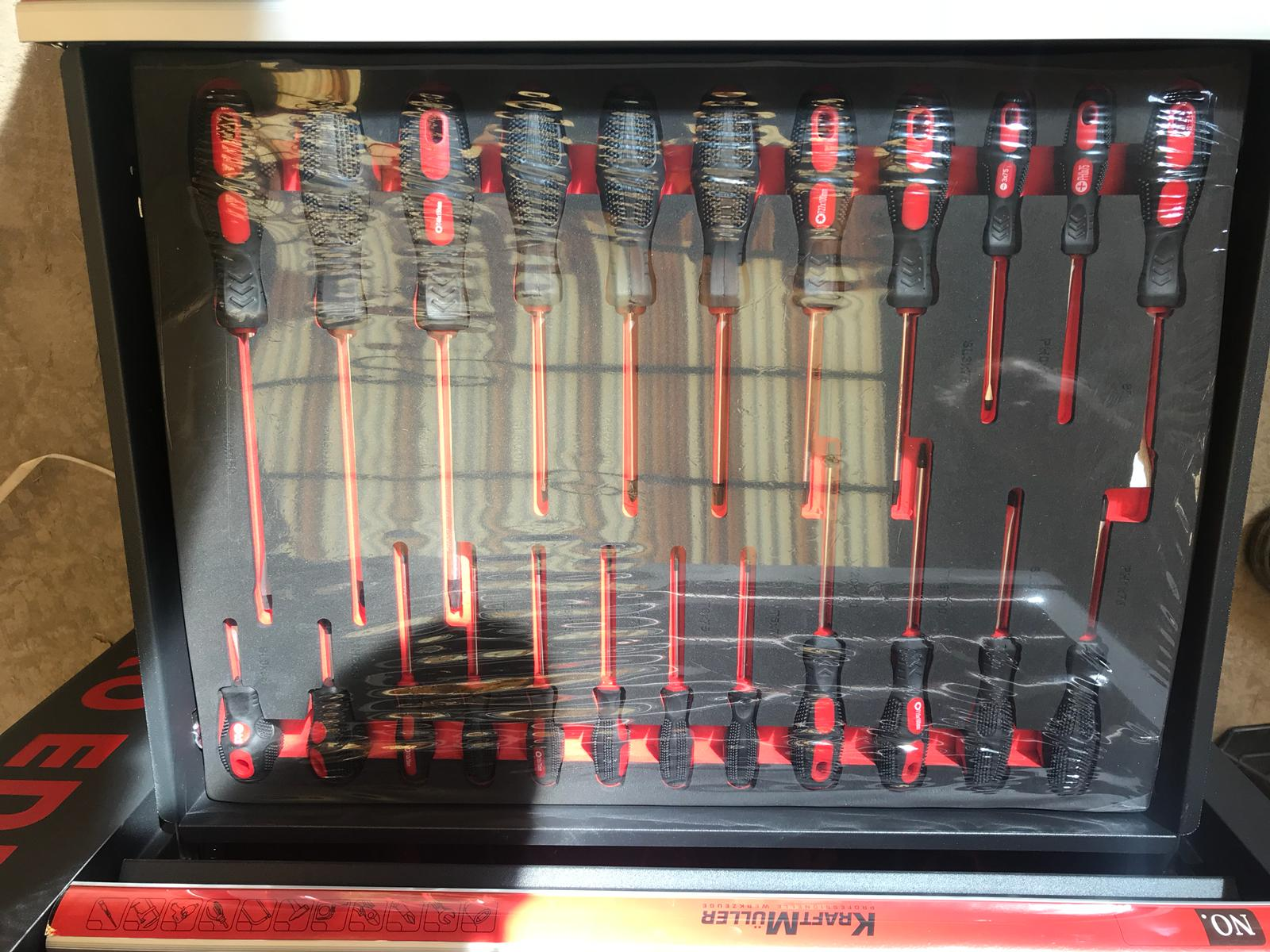 Lot 10053 - V Brand New Seven Drawer Locking Garage Tool Cabinet With Lockable Casters-Seven EVA Drawers of