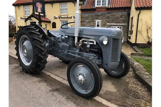 Ferguson Tea 20 petrol Tractor - Nut and bolt restored
