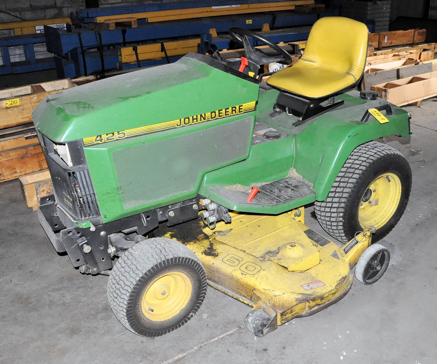 """Lot 399a - JOHN DEERE 425, GAS POWERED LAWN TRACTOR WITH 60"""" MOWING DECK, (OUTBUILDING-TIFFIN)"""