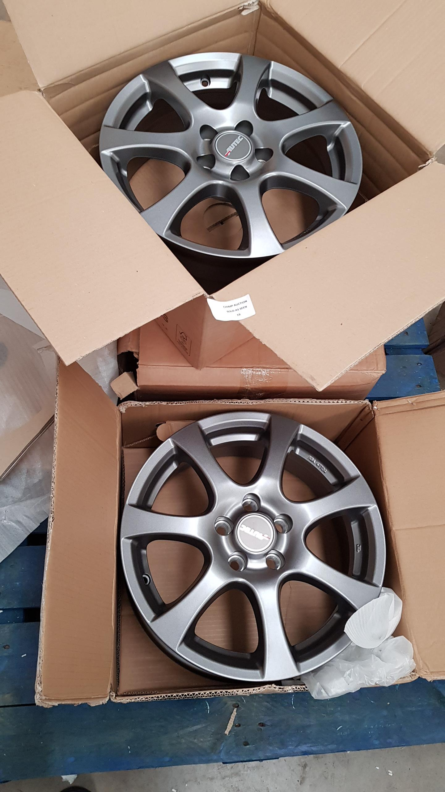 "Lot 19 - Set of 3X Autec 15"" Alloy wheels"