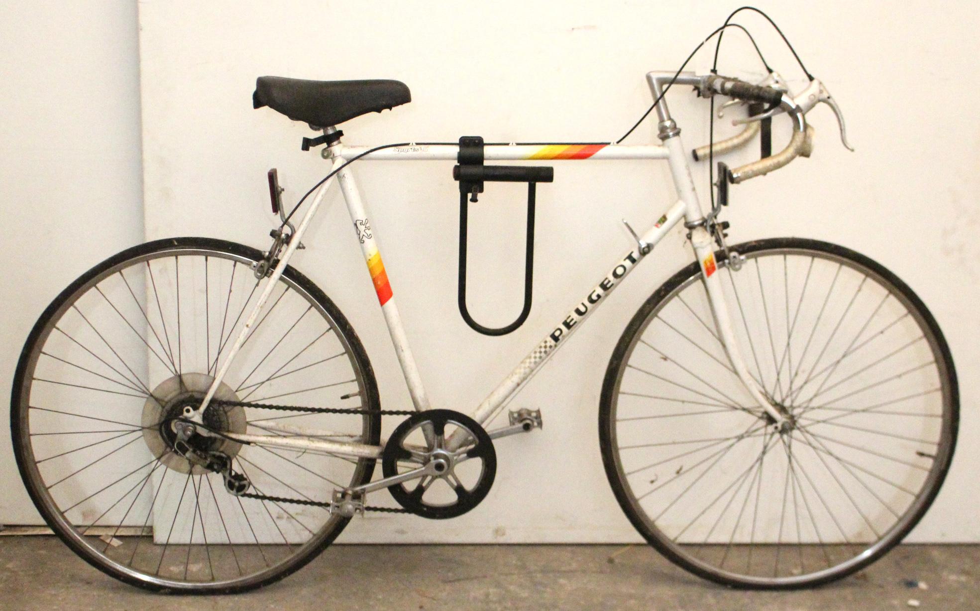 "Lot 28 - A Peugeot ""Sports 5"" five-speed gent's racing bike."