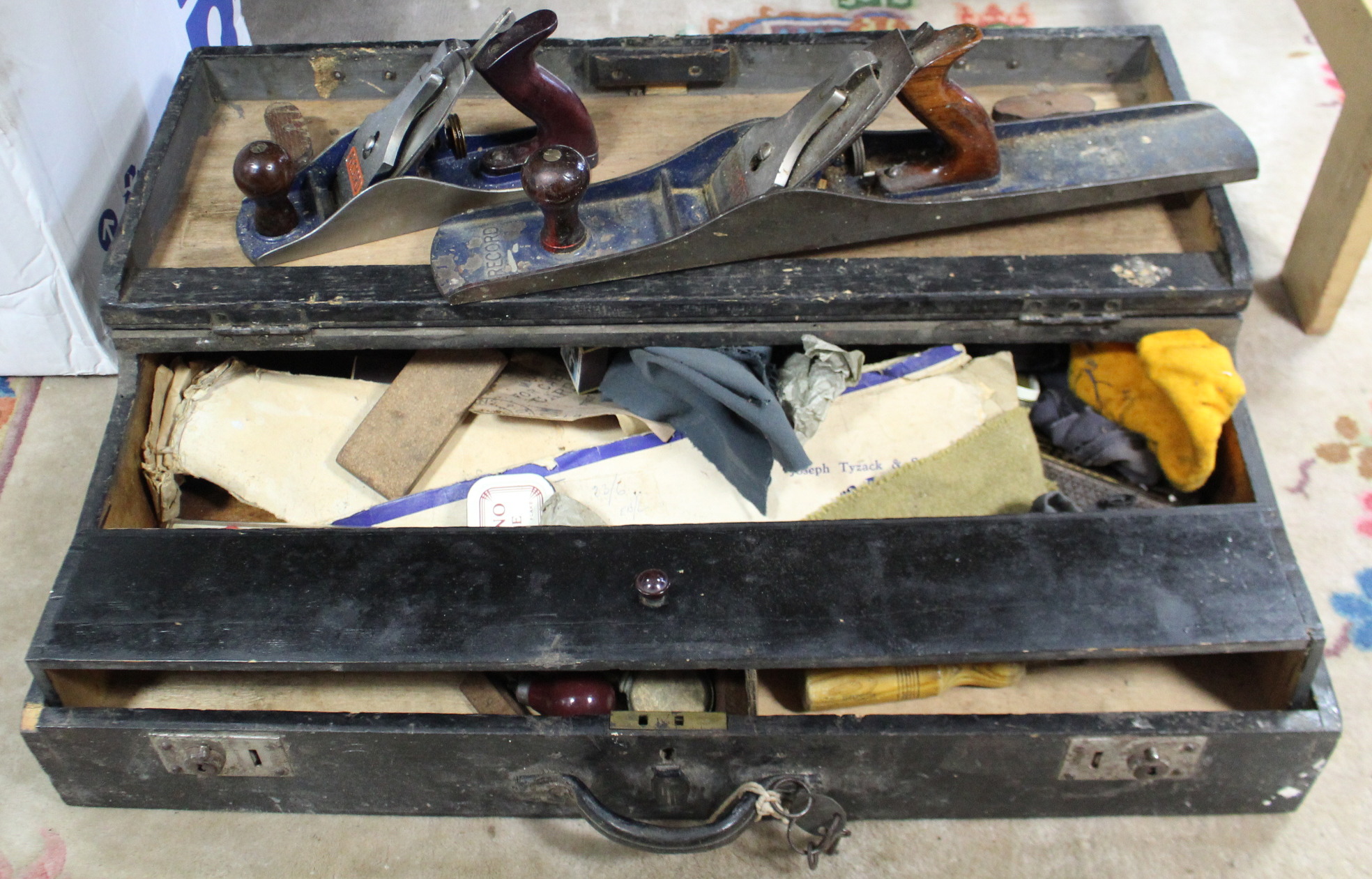 Lot 38 - Two Record smoothing planes (No. 4½ & No. 07); together with various other hand tools contained in a