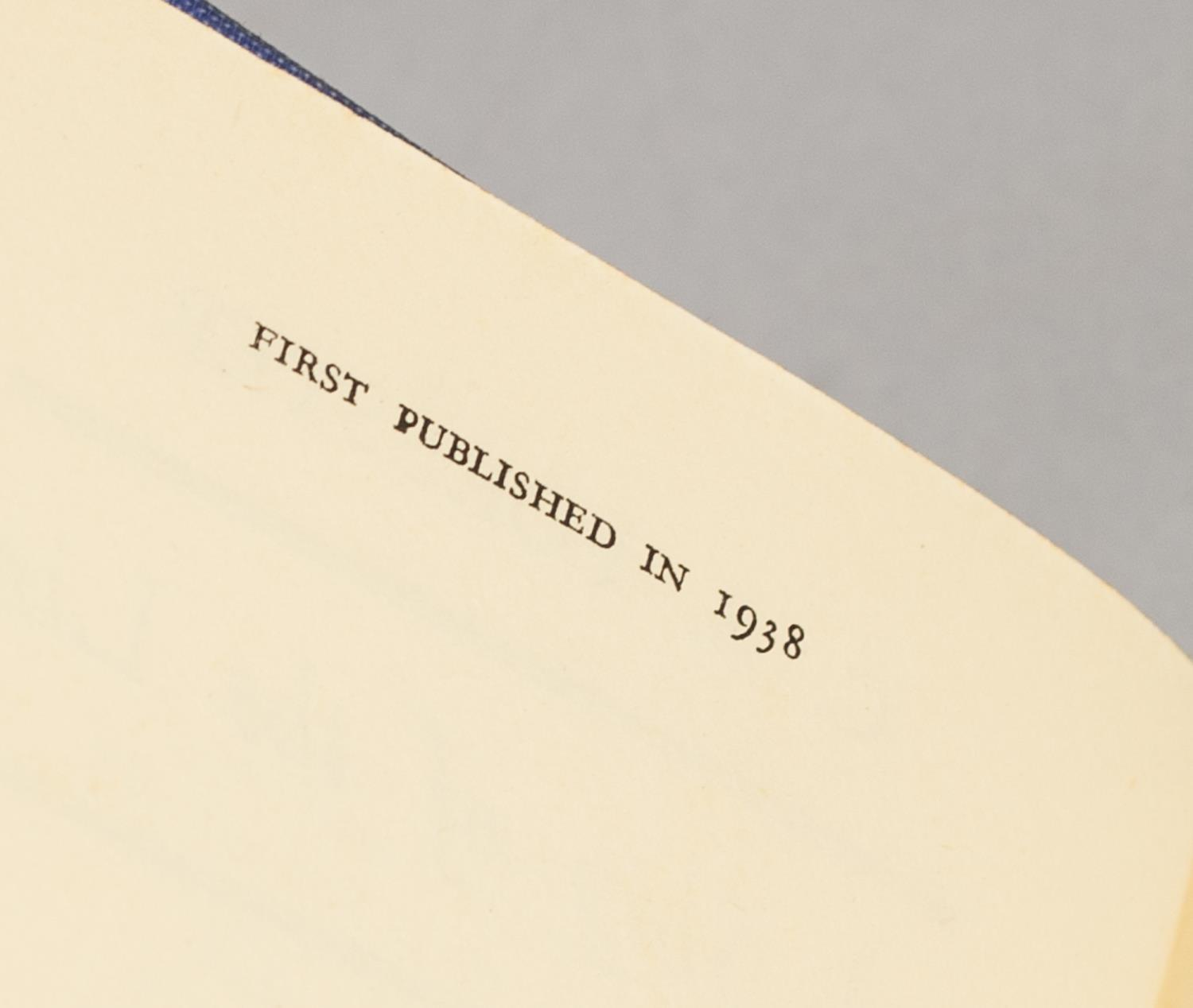 Lot 41 - C S FORESTER, A SHIP OF THE LINE, 1st EDITION 1938, PUBLISHED BY MICHAEL JOSEPH, COMPLETE IN