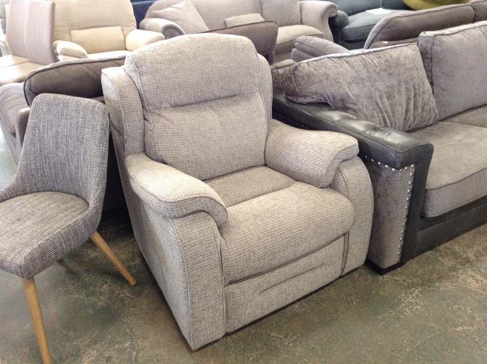 Lot 67 - GREY PATTERNED HIGH BACK CHAIR (TROO1607-WOO565703