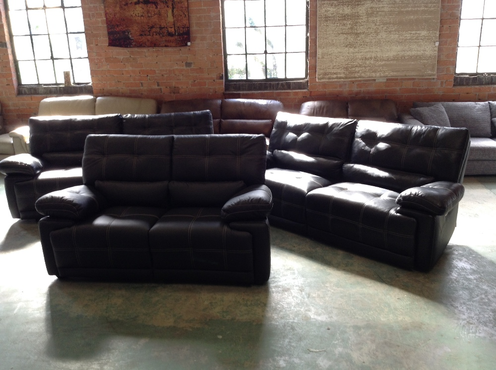 Lot 21 - 2 X BLACK LEATHER WITH WHITE STITCHING ELECTRIC RE