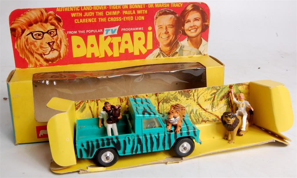 Corgi Toys Gift Set 7 Daktari Set Comprising Of 438 Land