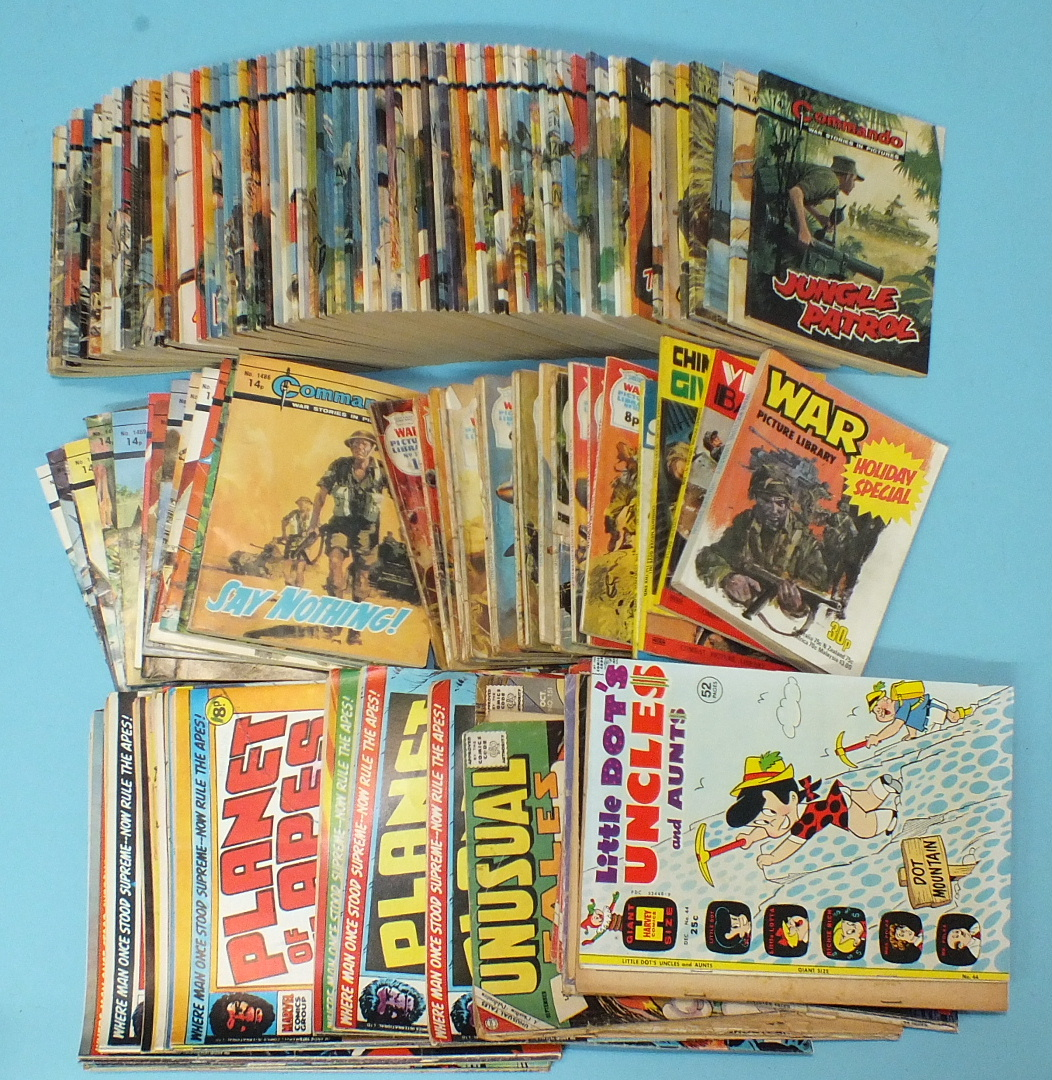 Lot 75 - Commando War Stories in Pictures, no.s 472, 848, 871, 880, 989, 1017, 1383-1390, 1394, 1407-1454,