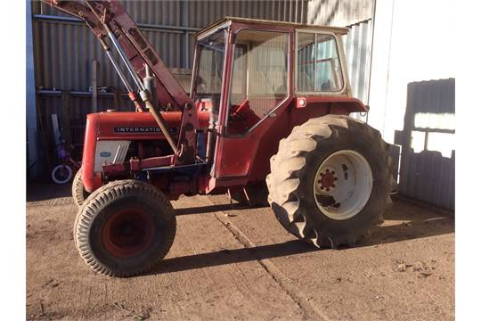 1972 International 454 Tractor with Tanco 968 Loader with hydraulic