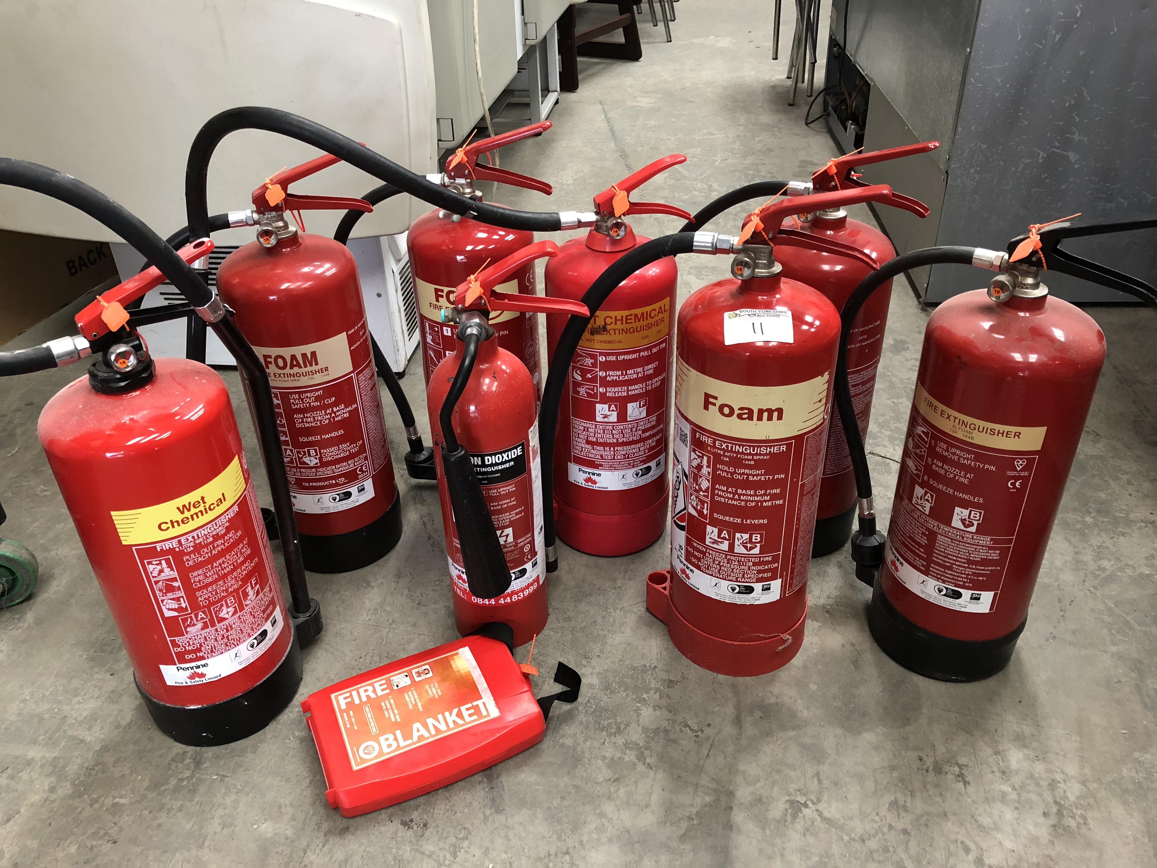Lot 11 - 8 x Fire Extinguishers
