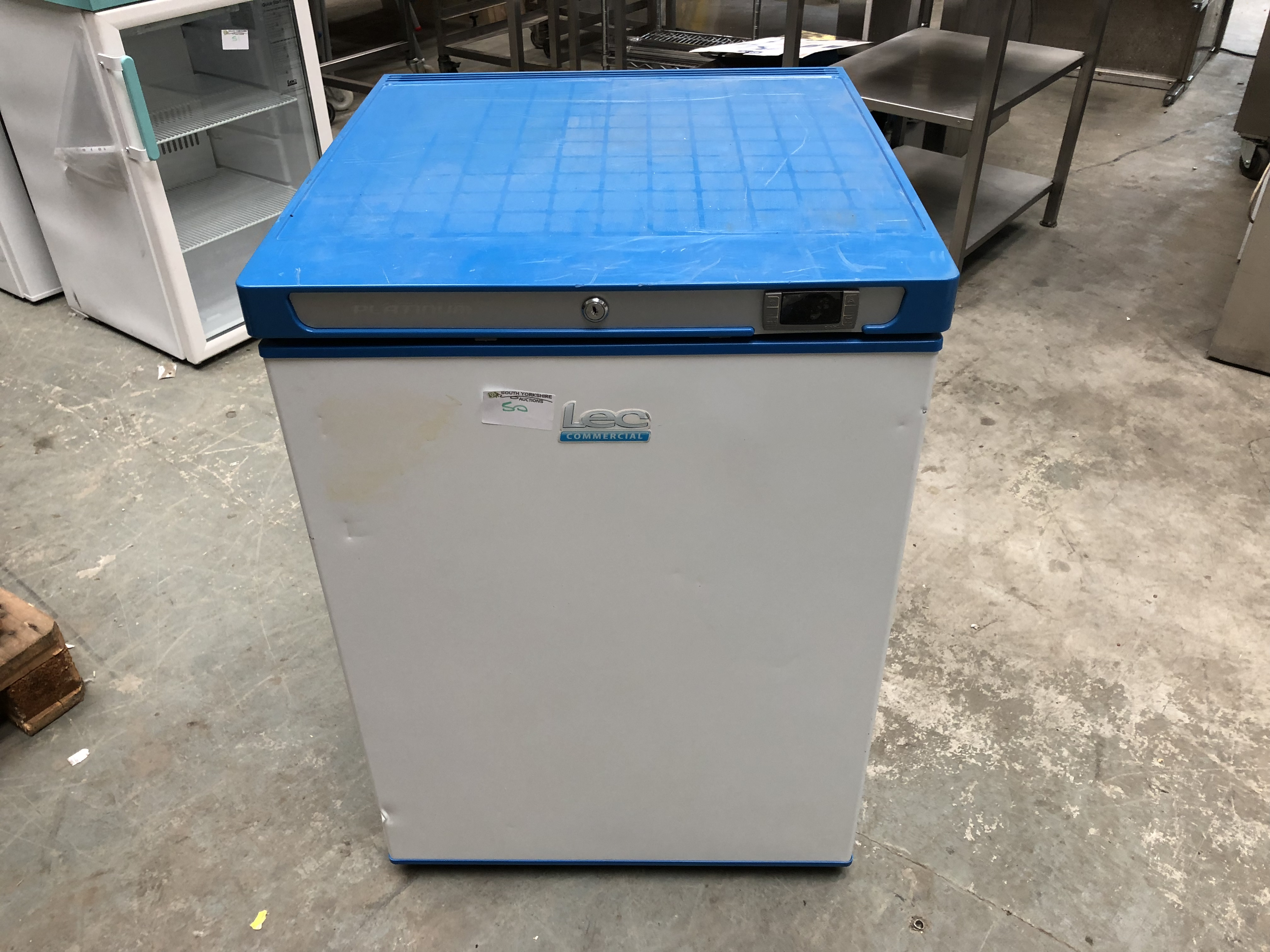 Lot 50 - Lec Essenchill Fridge