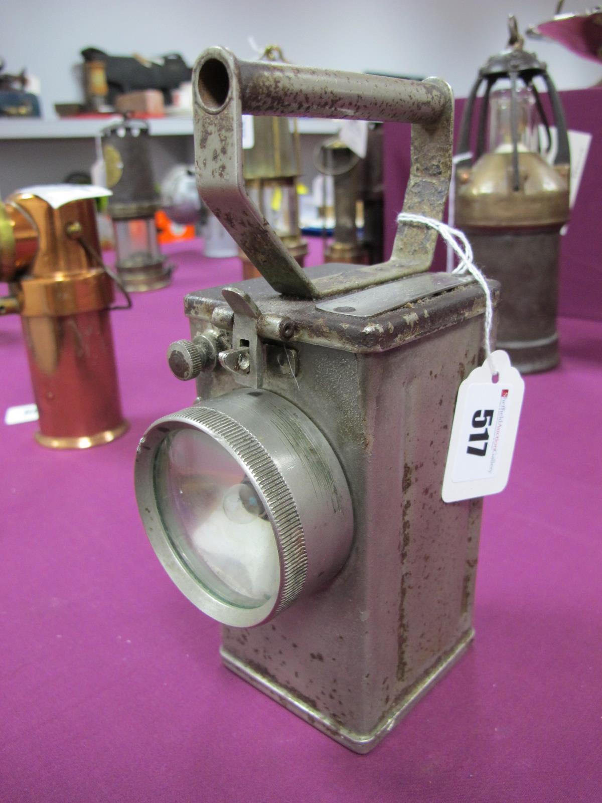 Nife of Redditch Type NH10 Miners Lamp, circa 1940, having metal horizontal carry handle, 20cm