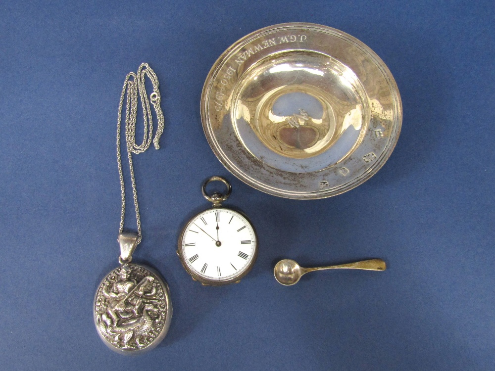 Lot 193 - A mixed collection of silver to include a silver alms dish, salt spoon, continental silver fob watch