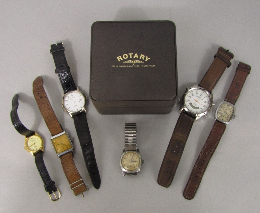 Lot 365 - A collection of various vintage watches to include a 1930s Romar gent's dress watch, further 1950s
