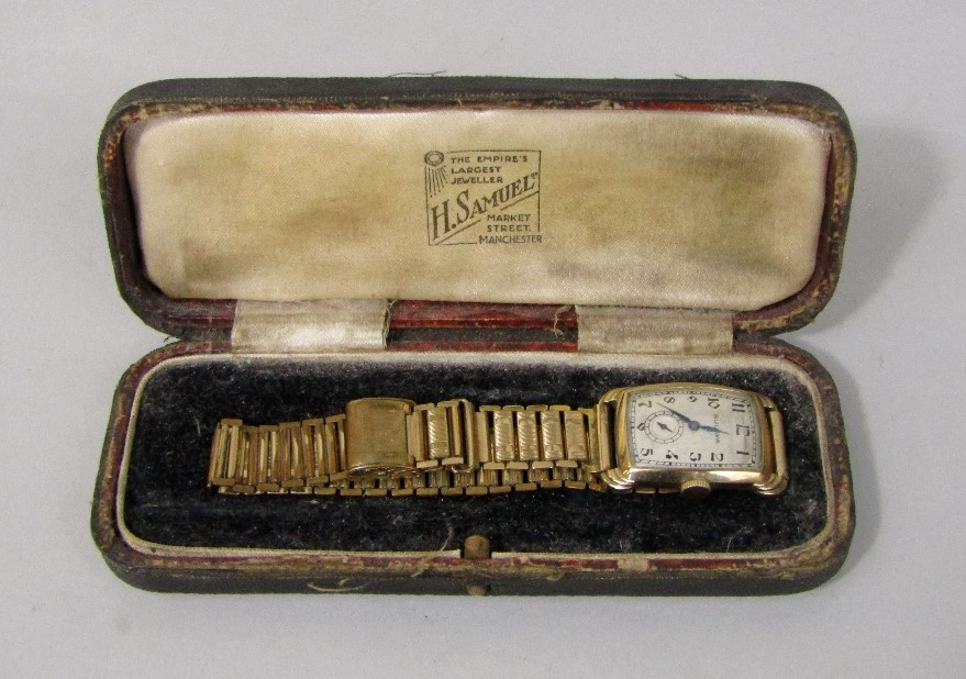 Lot 361 - 1920s/30s gent's gold plated dress watch, the cushioned dial with Arabic numerals and subsidiary