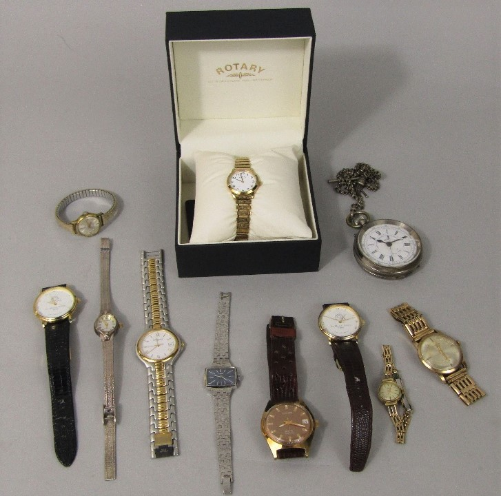 Lot 353 - A mixed collection of various gent's and ladies watches to include a ladies boxed Rotary watch