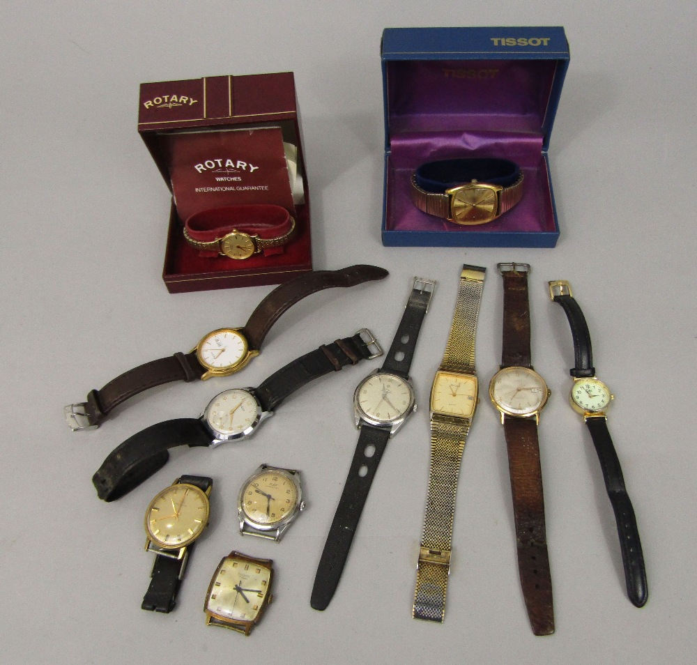 Lot 363 - A collection of various vintage gent's and ladies watches to include a boxed ladies Rotary gold