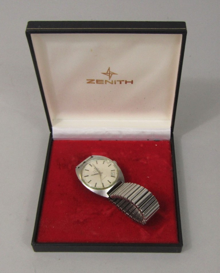 Lot 352 - Vintage Zenith automatic 28800 Auto Sport stainless steel gentleman's wristwatch, the white dial