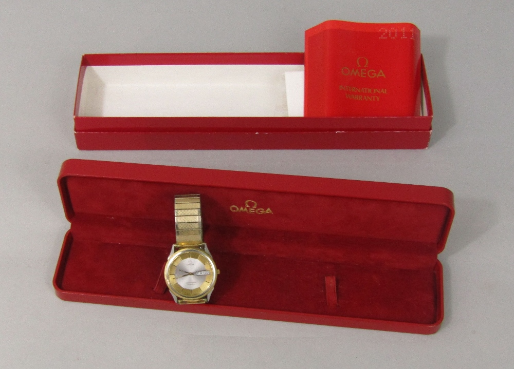 Lot 359 - Vintage Omega Sea Master Quartz wristwatch with textured gilt and silvered dial, baton makers, day/