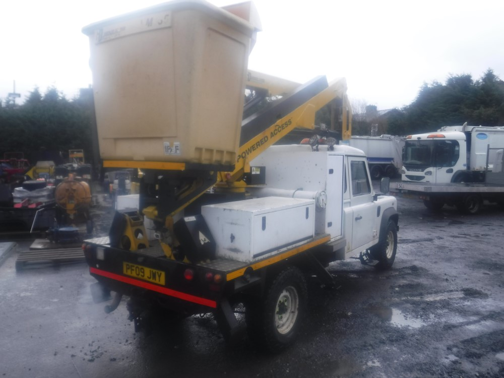 Lot 28 - 09 reg LAND ROVER DEFENDER 130 S/C C/W POWERED ACCESS LIFT (DIRECT ELECTRICITY NW) 1ST REG 06/09,