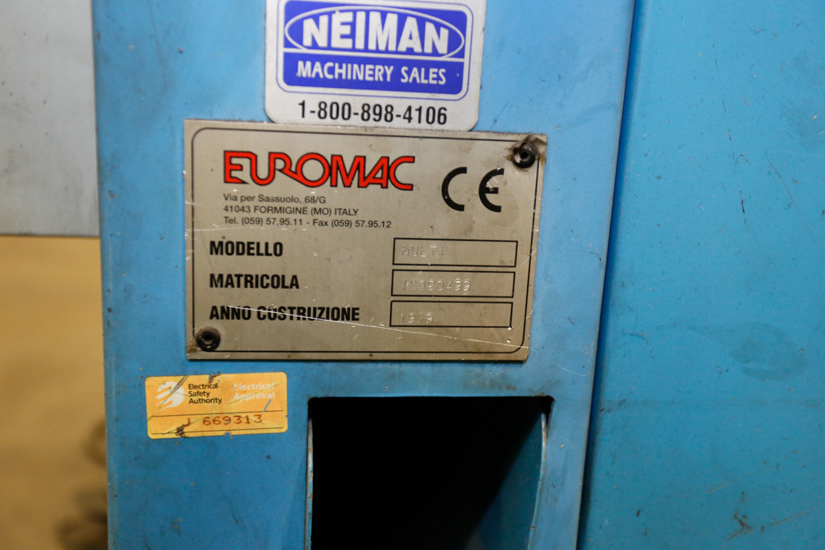 Lot 105 - EURO-MAC MULTI 220/6R, 8 '' VARIABLE ANGLE CORNER NOTCHER