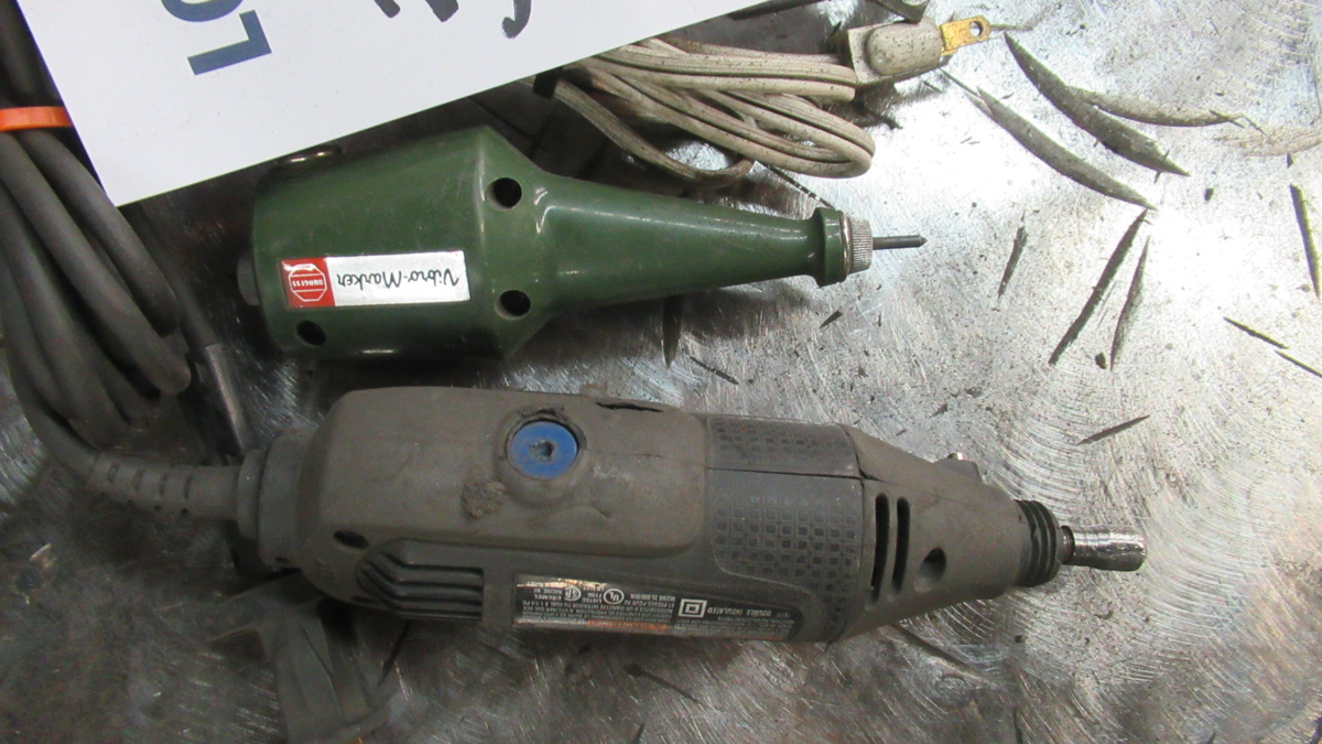Lot 35 - LOT OF 2 ELECTRIC TOOL MARKERS
