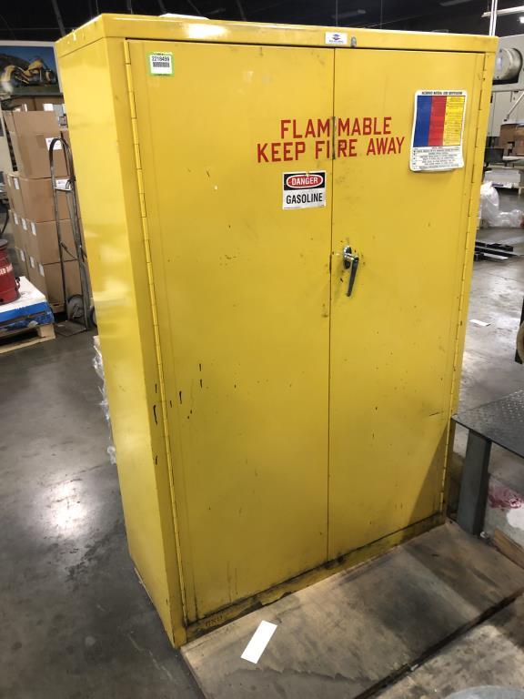 Lot 70 - Flammable Liquid Storage Cabinet