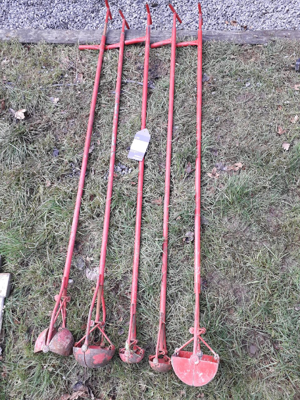 Lot 6 - 5 x various drainage scoops. (Please note: Viewing is by appointment only. Please Tel: 0161 429