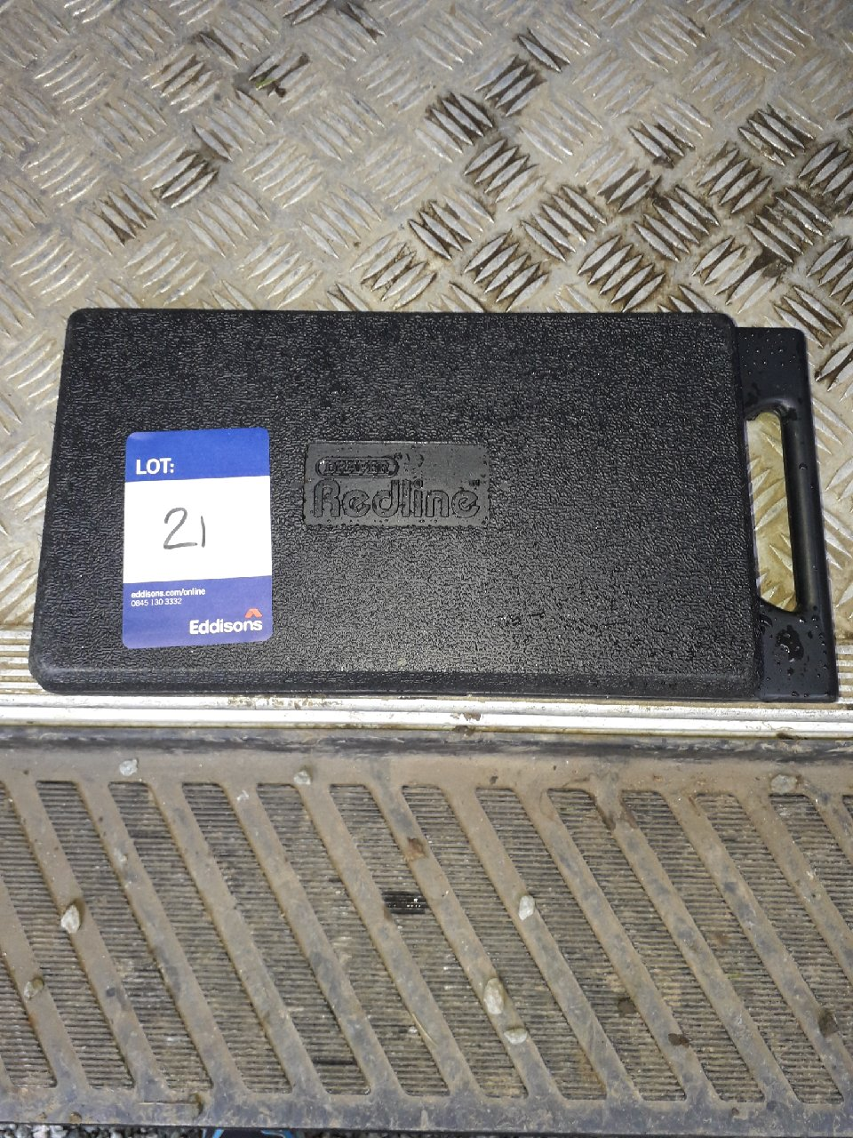 Lot 21 - Draper redline 25pc socket set. (Please note: Viewing is by appointment only. Please Tel: 0161 429