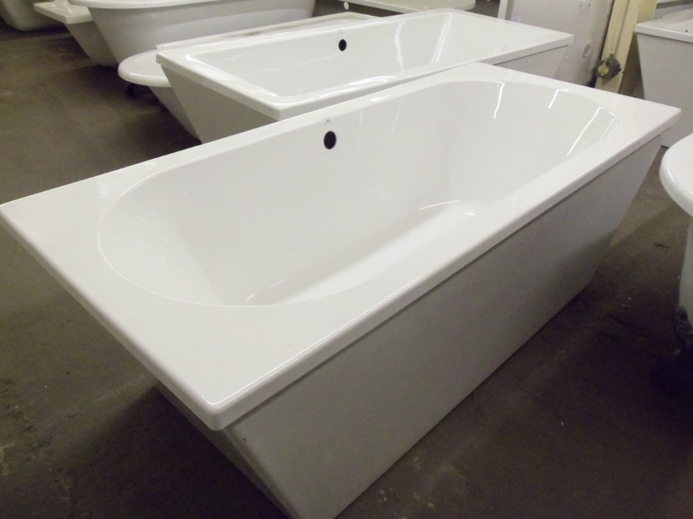 1700x750 fully skirted double ended free standing bath rrp for Small baths 1300