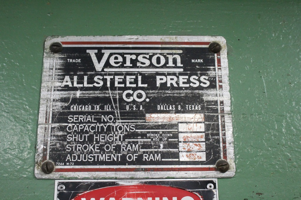 Verson Model 2010-65 Mechanical Power Press Brake, Serial Number: 20844 90 Ton - 12' Overall - Air - Image 4 of 7
