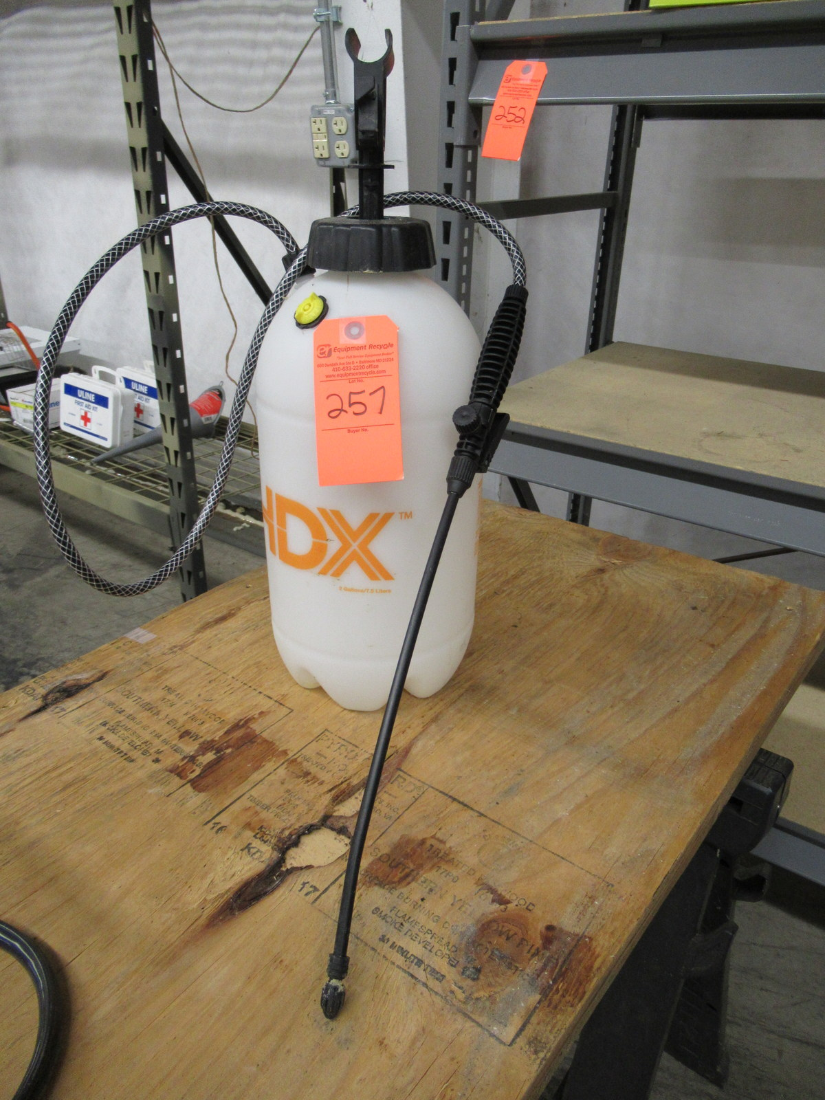 Lot 257 - HDX Multi-Purpose 2 Gallon Sprayer