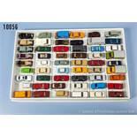 Konv. 54 H0 Modellfahrzeuge, dabei Pkw, Sportwagen, Oldtimer, Transporter usw., versch.