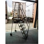 mobile stairs, 6-step (Located in Mississauga, ON)