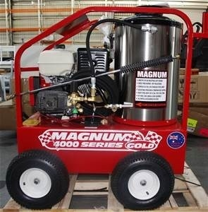 Lot 104 - Easy Kleen Dsl Fired Hot Pressure Washer Magnum 4000 Series Gold 15 hp elec start eng, 30FT Hose &