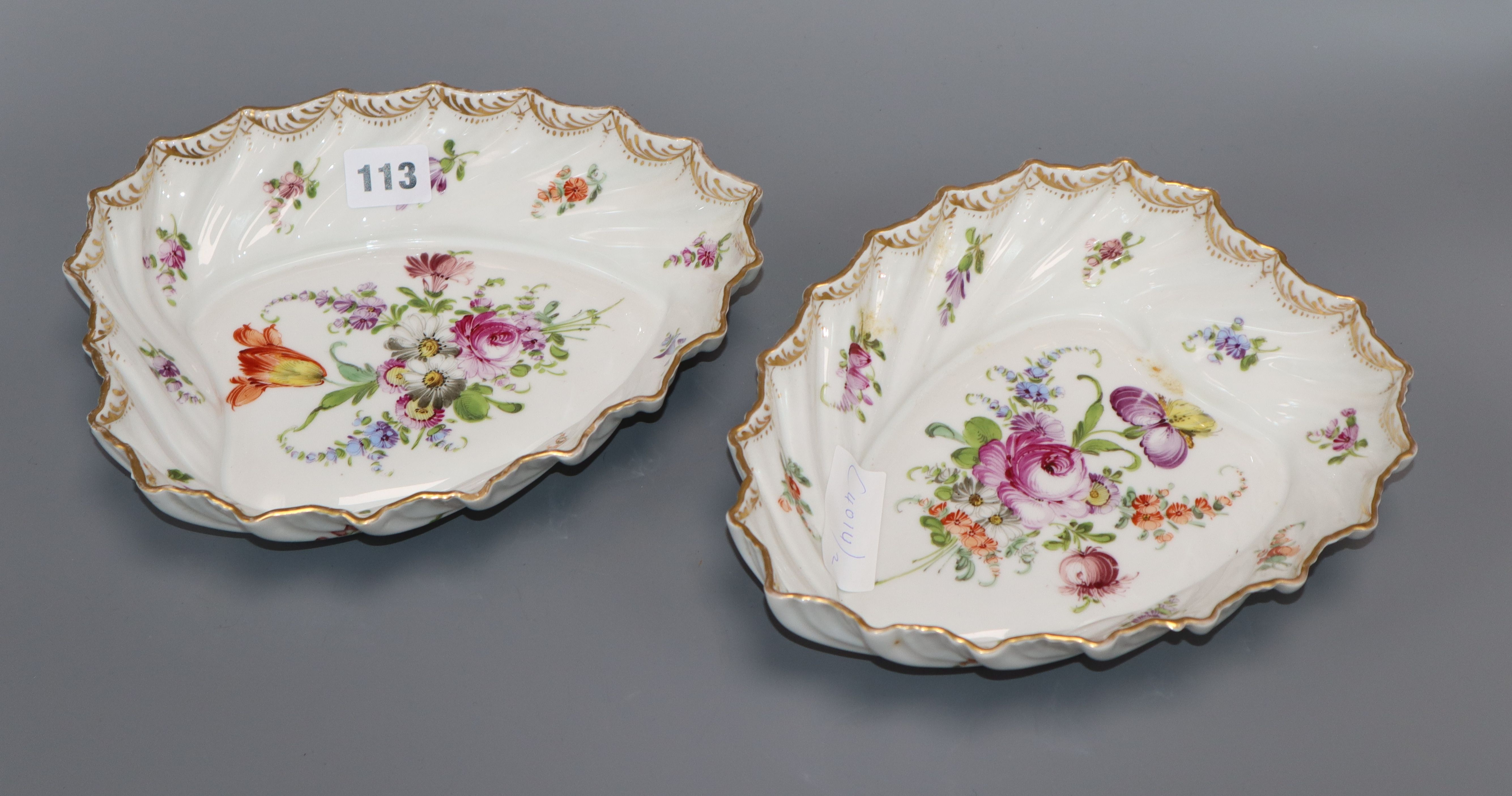 Lot 113 - A pair of Dresden leaf shaped dishes length 24.5cm