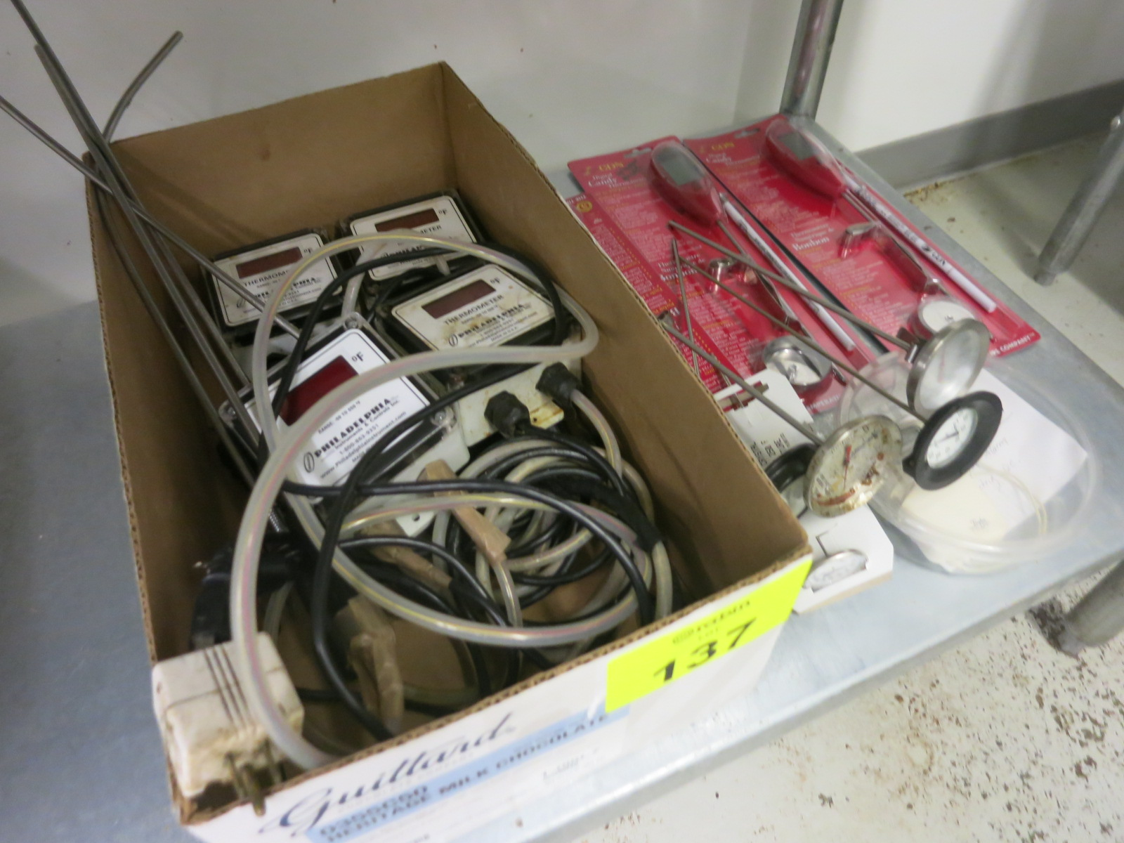 Lot 137 - Thermometers