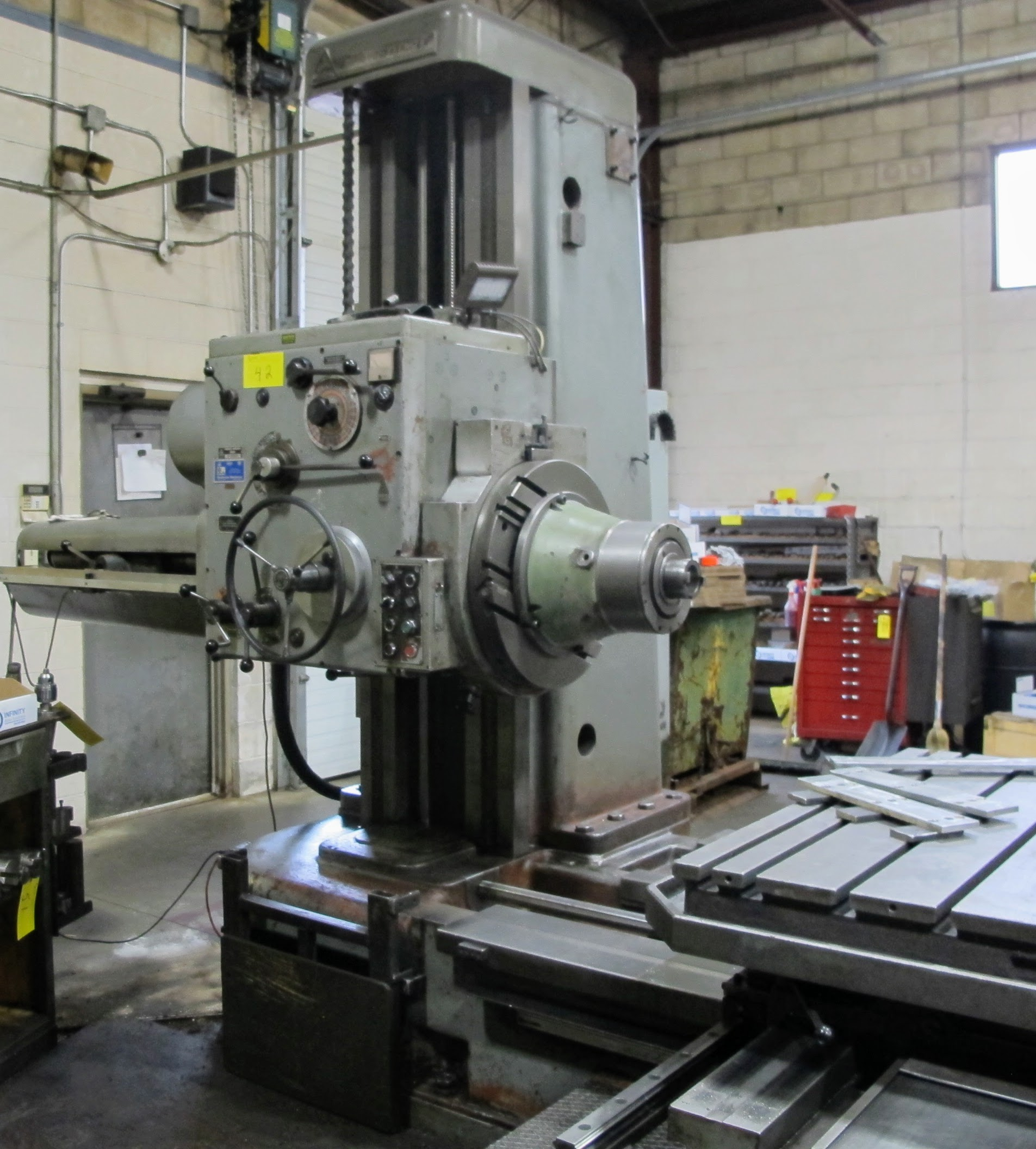 "TOS W100 HORIZONTAL BORING MILL, ACU-RITE 4-AXIS DRO, 4"" SPINDLE, 14 TO 1,120 RPM, 49"" X 49"" POWERED - Image 10 of 12"