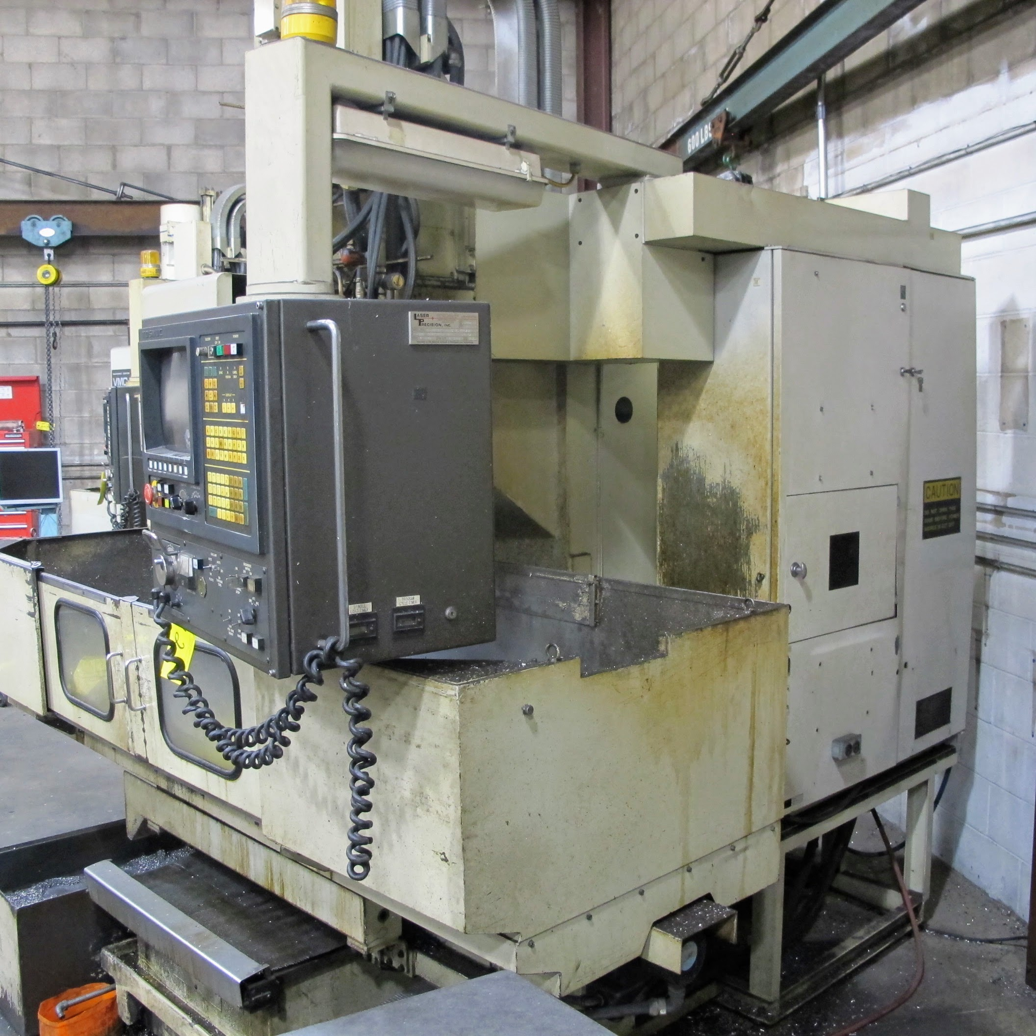 "SHIBAURA VMC-45 CNC VERTICAL MACHINING CENTER, 18"" X 40"" TABLE, TOSNUC CNC CONTROLS, 20 ATC, COOLING - Image 2 of 5"