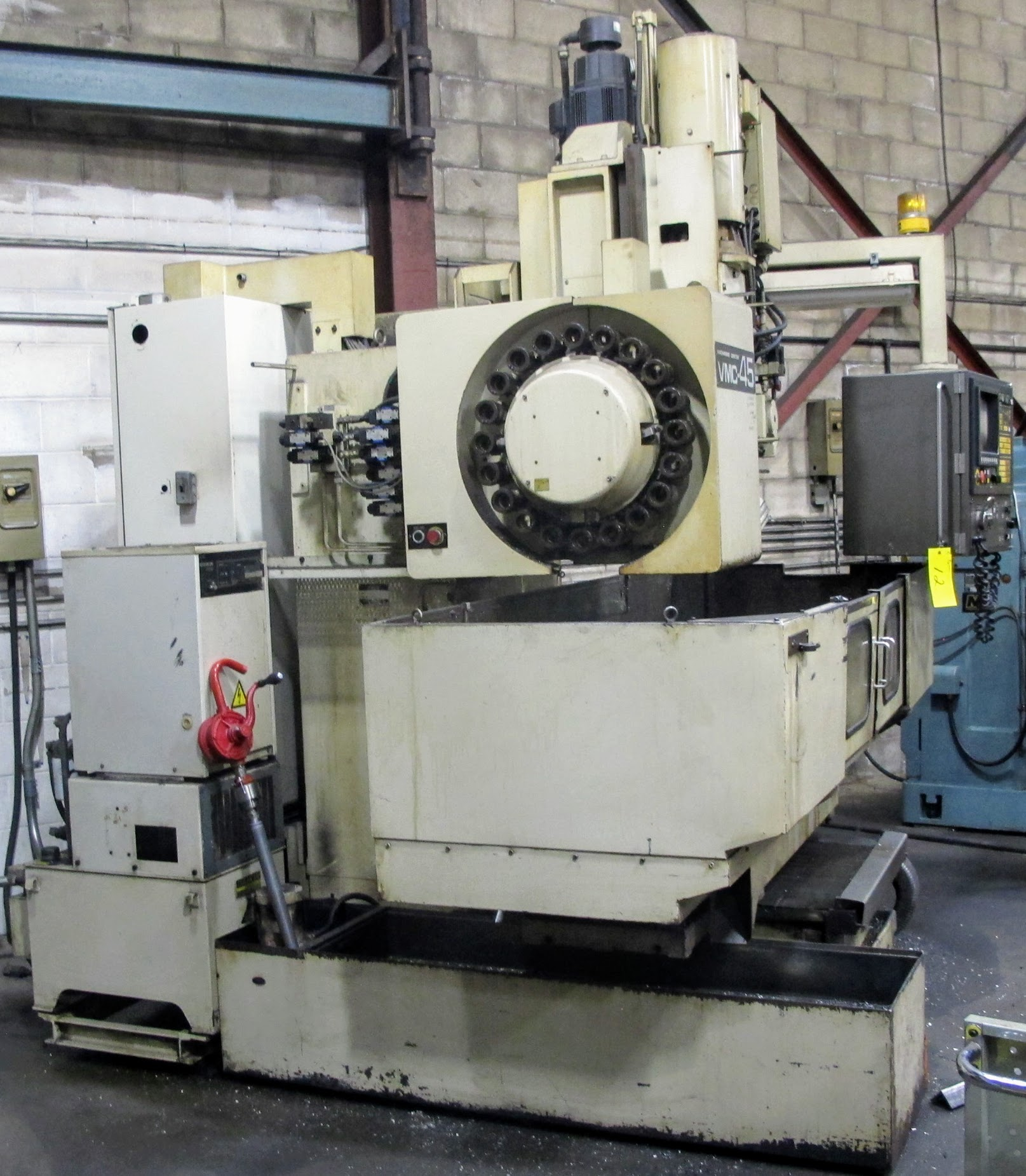 "SHIBAURA VMC-45 CNC VERTICAL MACHINING CENTER, 18"" X 40"" TABLE, TOSNUC CNC CONTROLS, 20 ATC, COOLING - Image 4 of 5"