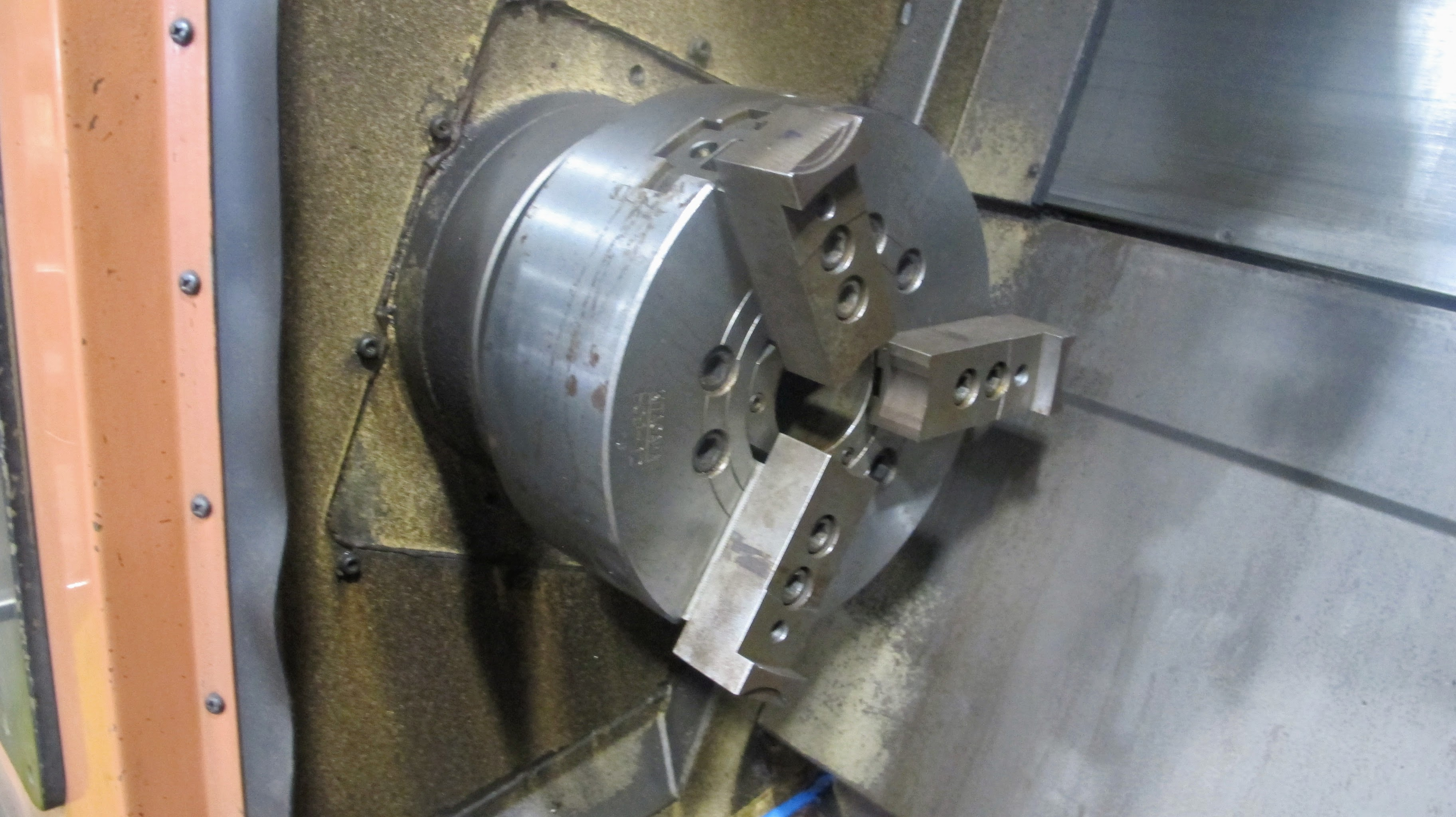"OKUMA ACT-4 CNC LATHE W/12"" 3 JAW CHUCK, FANUC CONTROL, TAIL STOCK, ATC-12 W/10 TOOL HOLDERS, - Image 4 of 17"
