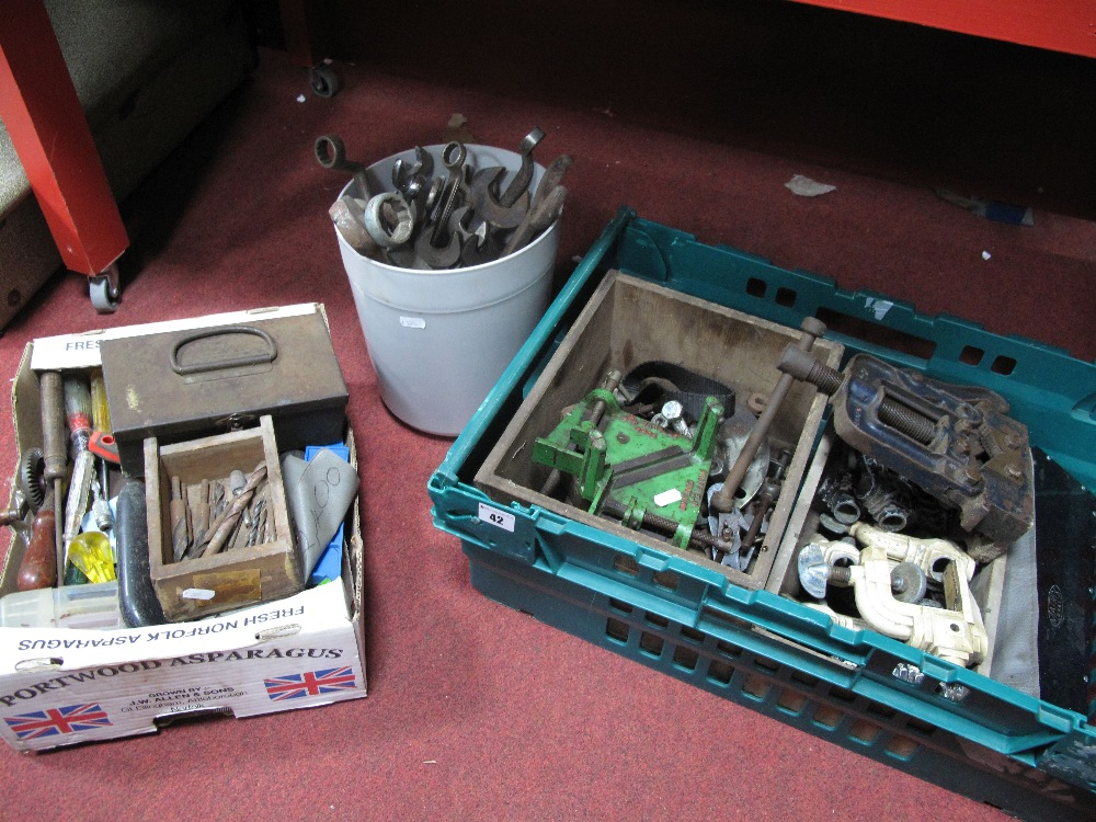 Lot 42 - Record Pipe Crimper, Marples angle cutter, a Coventry Gauge Precision Sine Bar/ Plate, G- clamps,