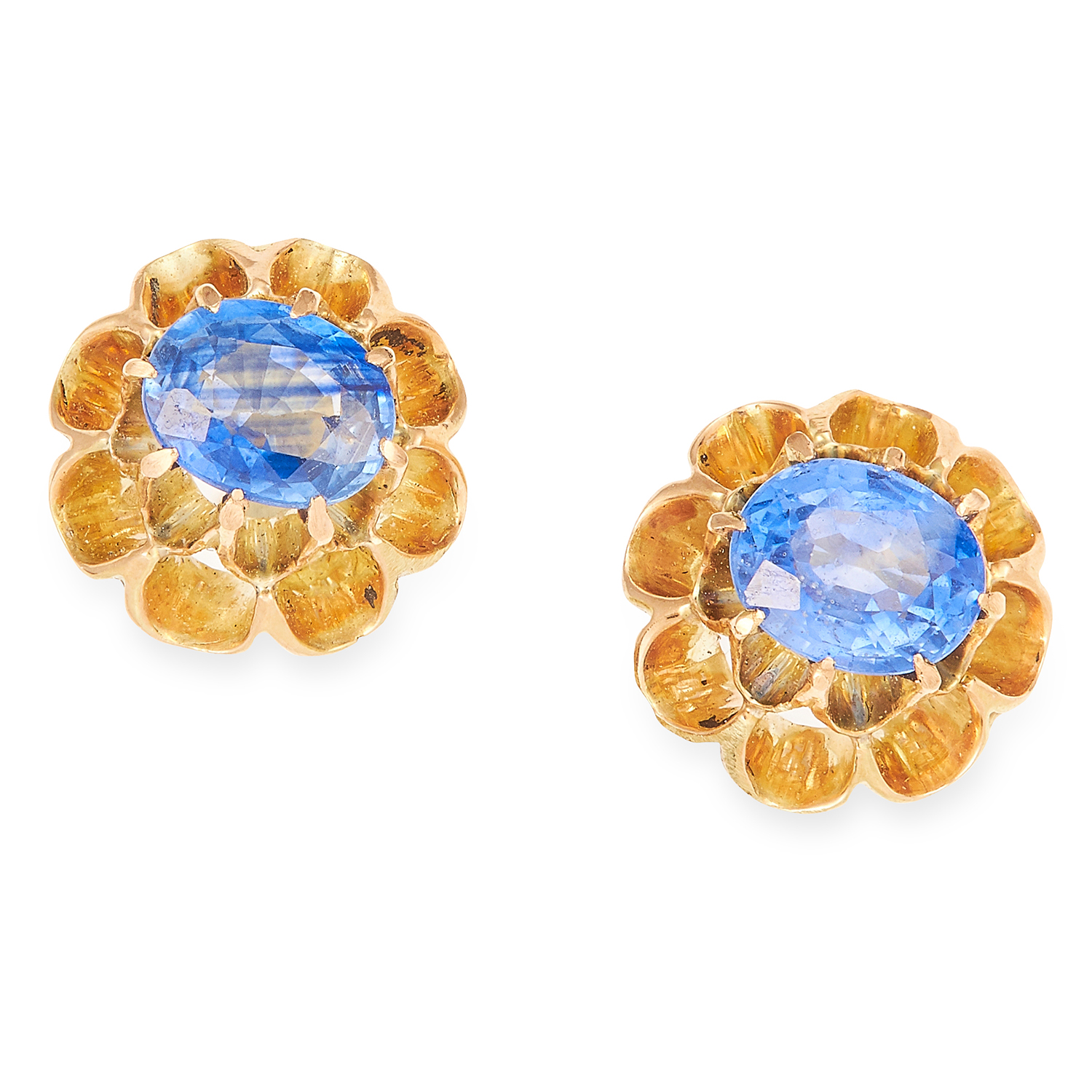 1.06 CARAT SAPPHIRE EARRINGS in yellow gold, each set with an oval cut sapphire totalling