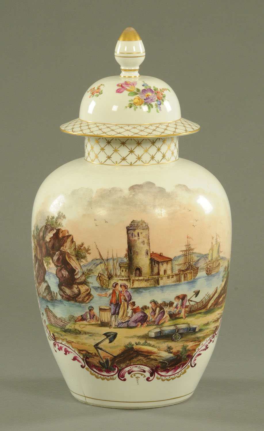 Lot 51 - A large Samson of Paris porcelain vase and cover, late 19th century,
