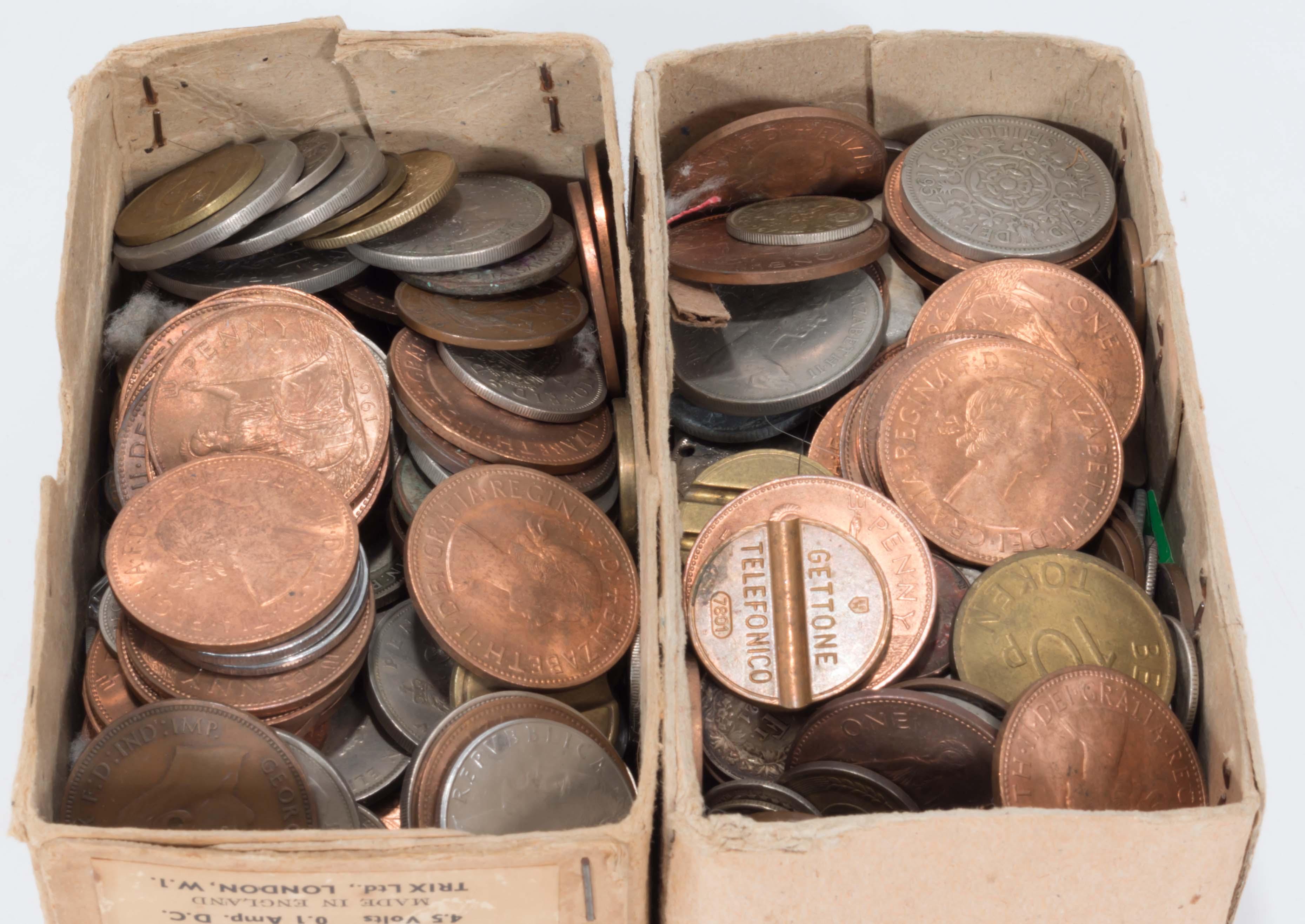 Lot 279 - A quantity of coins