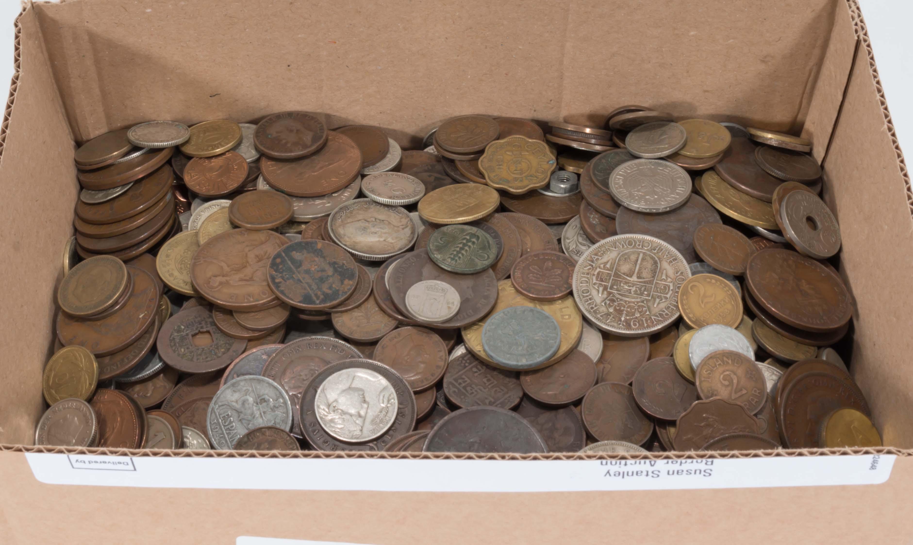 Lot 275 - A quantity of coins
