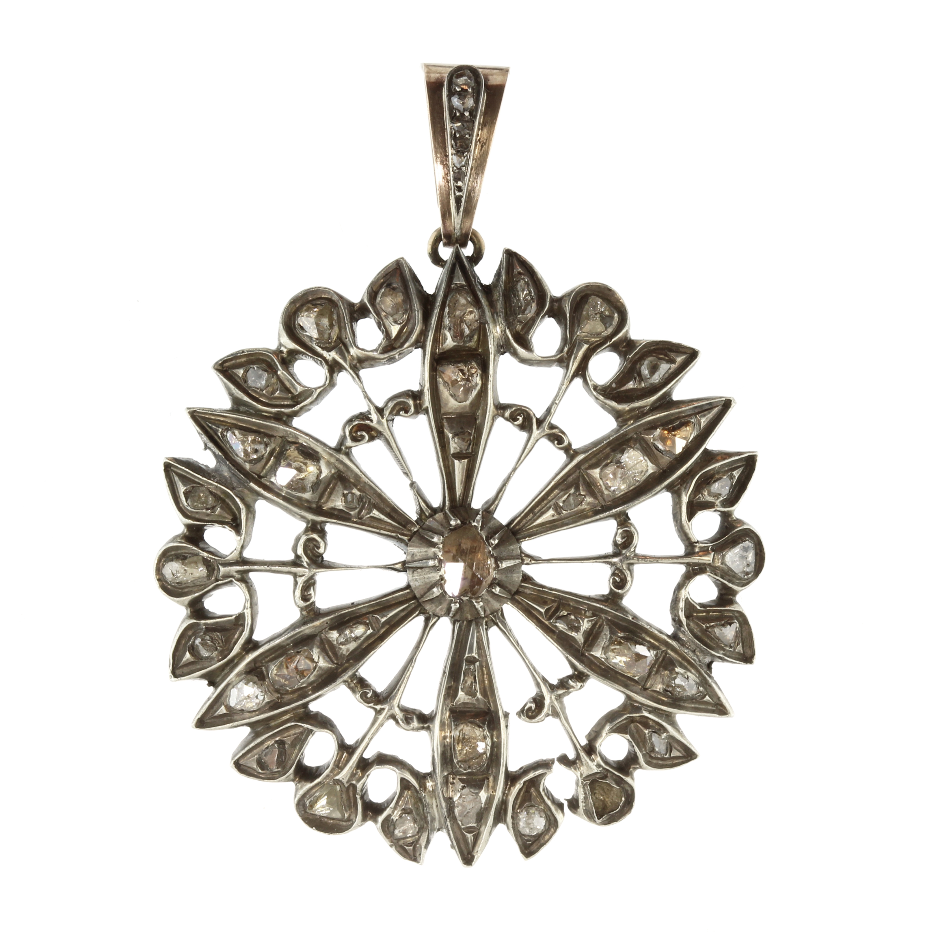 Los 17 - A large diamond flower pendant in gold and silver designed as a flower motif, set with a central